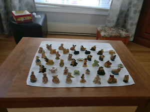 42 Red Rose figurines