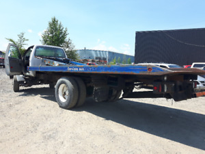 FORD F700 2004