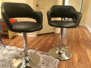 Hydraulic Bar Stools | Black & Chrome