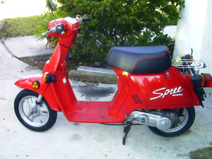 Honda spree 1986 nq50 (87$/ annee plaque)