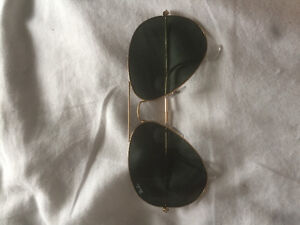 RAY BAN AVIATOR GREAT CONDITION SIZE LARGE