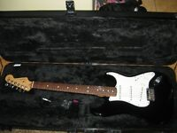 Fender Stratocaster USA Black Mint with access case etc