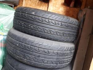 4 pneu ete 195/65 15 tres bonne condition 200$