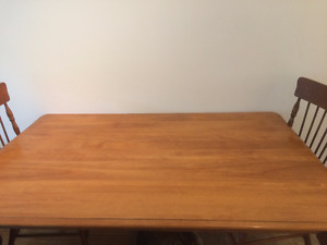 Dining Table Bermex with 5 chairs Clean and no scratch