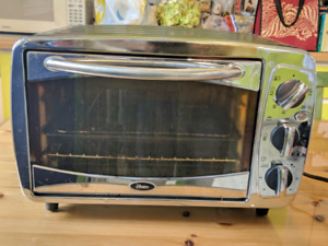 Oster Toaster Oven - Limited Functionality