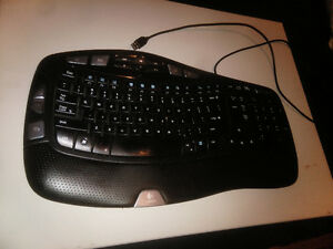 Logitech Wave Corded Keyboard Good Condition