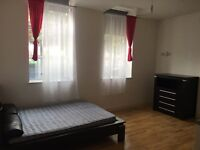 Studio Flat- Furnished/ En-suite- LE2