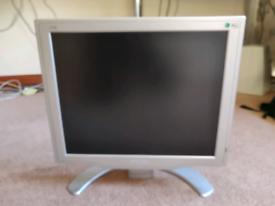 "Computer screen 17"""