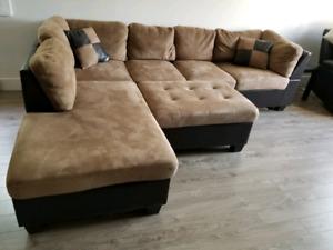 Sofa sectionnel avec pouf