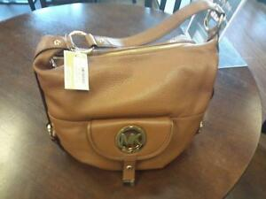 *** USED ***  MICHAEL KORS PURSE   S/N:51213591   #STORE548