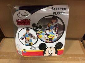 MICKEY MOUSE SLEEVED FLEECE/BLANKET