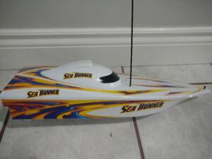 Fast Lane Sea Runner Remote Control Boat
