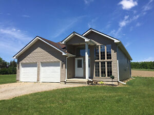5 YR OLD RAISED RANCH FOR SALE IN WARDSVILLE !!