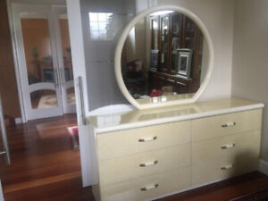 Vintage CHIC 7 piece bedroom set
