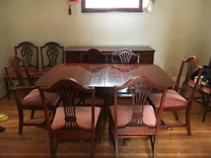 Antique Style Dining Room Set