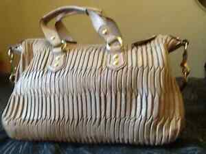 Authentic coach Madison gathered pleated leather, medium bag Kingston Kingston Area image 4