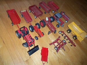 Grand lot de TRACTEUR METAL 1950 ET +