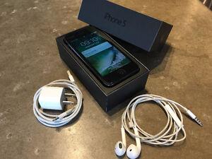iPhone5 32GB avec boite et accessoires (Telus) Sans contrat