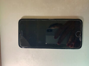 Iphone 6, black, 16GB, 11.4.1 Version with case