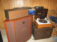 Turntable with amplifier and speaker