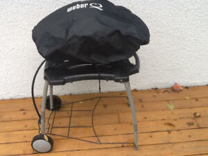 Weber Q with folding stand for sale