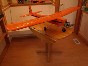 2 RC PLANES WITH ENGINES AND SERVOS. Comox / Courtenay / Cumberland Comox Valley Area image 5