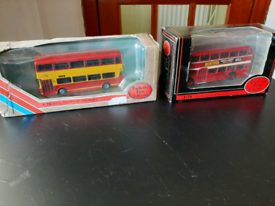 2 model buses 1:76 Scale