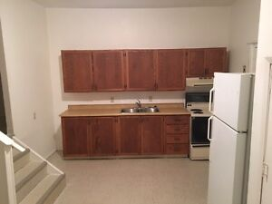 1 bed apartment Aug 1st  Garson