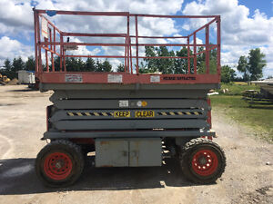 Construction Equipment Auction - STOREY AUCTION - Scissor Lifts