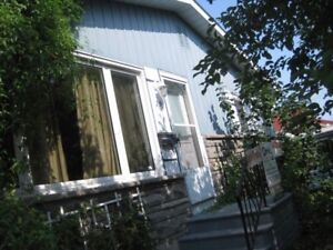 Bungalow 3 bedrooms $1100 or  (each room $375 all inclusive )