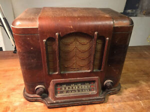 Antique Radio - Canadian Westinghouse Co - SOLD