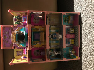 Stackable Mini Doll House