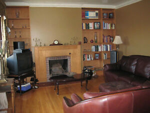 3Bed/2Bath upper duplex Westmount adjacent (Snowdon)