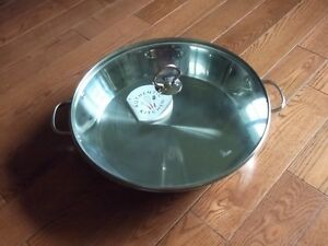 New stainless steel saute pan/skillet with lid