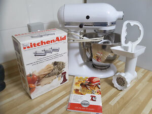 Kitchen Aid Stand Mixer w/attachments