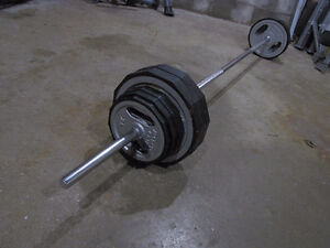 150lb Rubber Edged Barbell Set