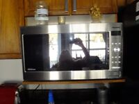 Panasonic 1.6 cu ft. Cyclonic Inverter Microwave Oven