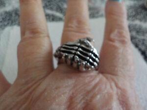 hand shaking ring