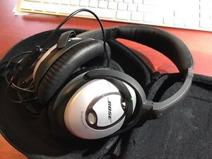Bose QuietComfort 15 headphones  West Island Greater Montréal image 1