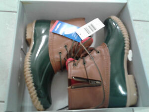 Winter boots size 7 woman