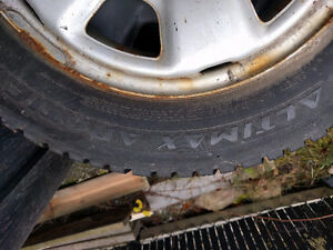 205/70 R15  96Q Winter Tires with Rims Gatineau Ottawa / Gatineau Area image 2
