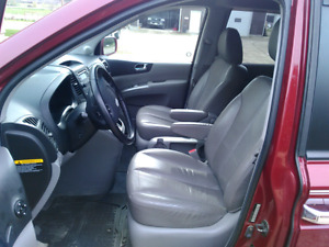 "2008 Hyundai Entourage *""Leather"