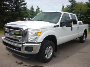 2014 Ford F-350 XLT SuperDuty Pickup LOW KMS, CLEAN CARFAX