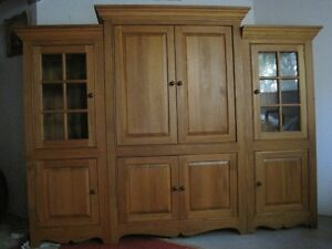 ARMOIRE SOLID  PINE WOOD COSTUME MADE West Island Greater Montréal image 5