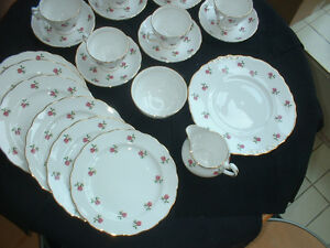 MID-1950S ENGLISH TEA SET COLCLOUGH RIDGWAY PINK ROSE 7433