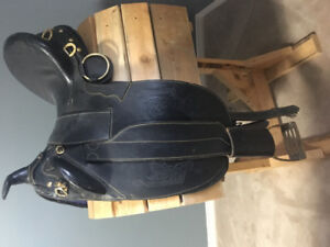 Aussie saddle, bridle and reins