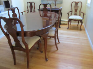Stanley Cherry Wood Dining Suite