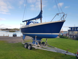 20ft sailing boat yacht with twin axle galvanised road trailer