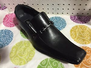 Brand new men's shoes size 13. $30
