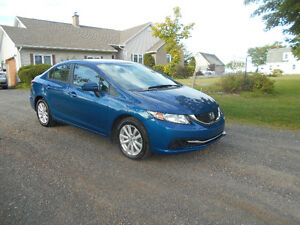 2014 Honda Civic **Heated Seats, Excellent Condition**